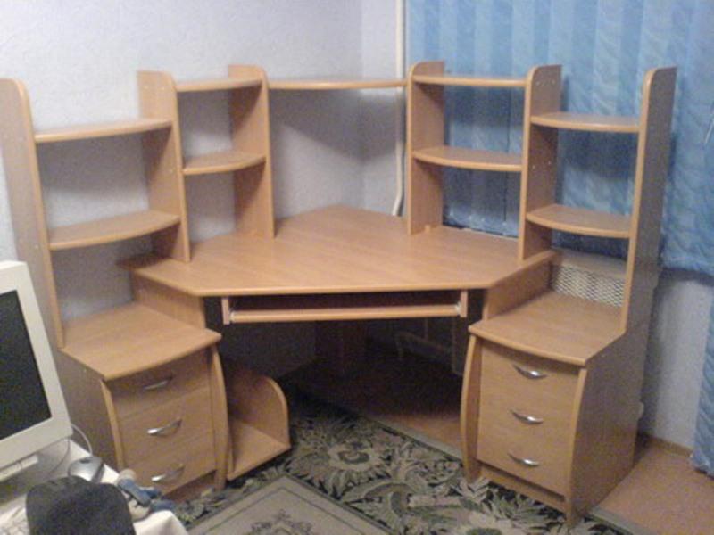 Угловые компьютерные столы своими руками фото